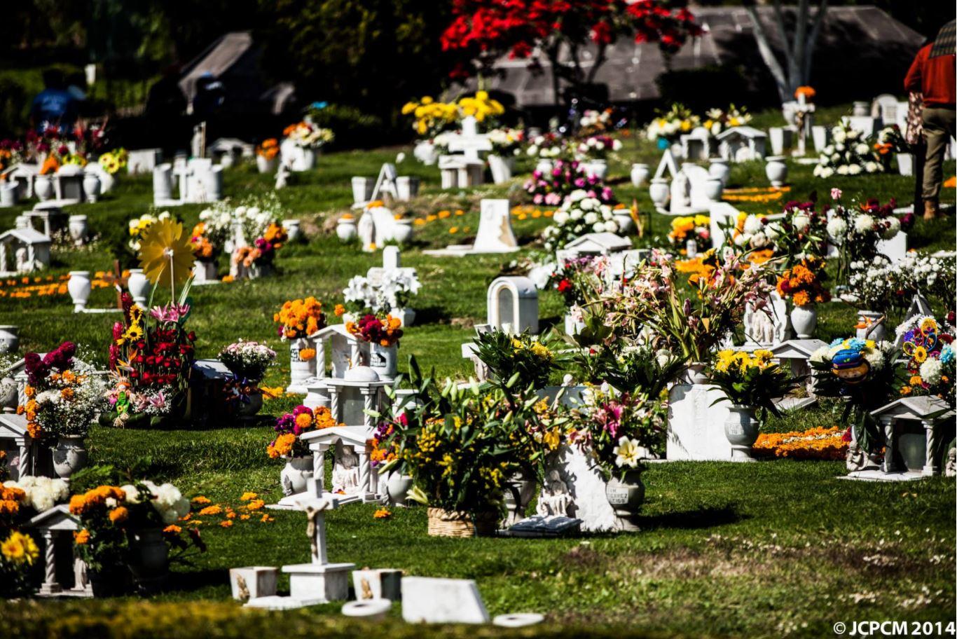 Fiesta Día de Muertos en Jardines del Recuerdo