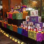 Mega ofrenda de Día de Muertos en Jardines del Recuerdo